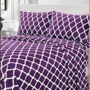 ⭐️SALE⭐️King 4pc Purple Arabesque Bedsheets